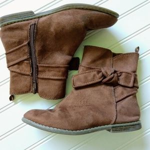 GAP   Faux Suede Girl's Camel Ankle Boots Size 3